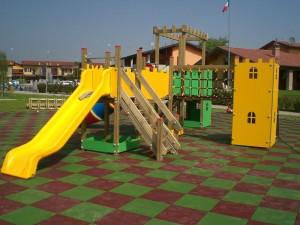 pavimento per parco gioco