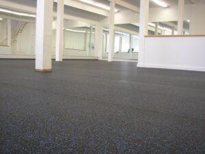 pavimento in gomma per uffici
